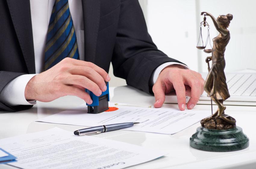 Los notarios abren su red a la ciudadanía y lanzan un portal digital que permite tramitar servicios legales.