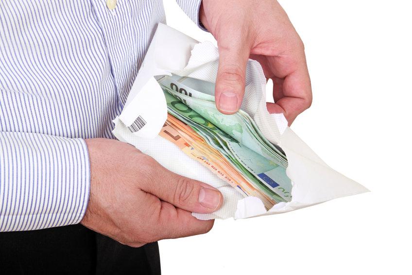 ¿Por qué España reduce los pagos en efectivo a 1.000 euros y Europa solo quiere rebajarlos hasta 10.000? | Sala de prensa Grupo Asesor ADADE y E-Consulting Global Group