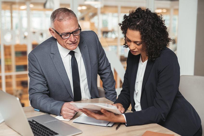 El TUE dicta que un empresario puede prohibir el velo a una empleada para preservar una imagen de neutralidad | Sala de prensa Grupo Asesor ADADE y E-Consulting Global Group