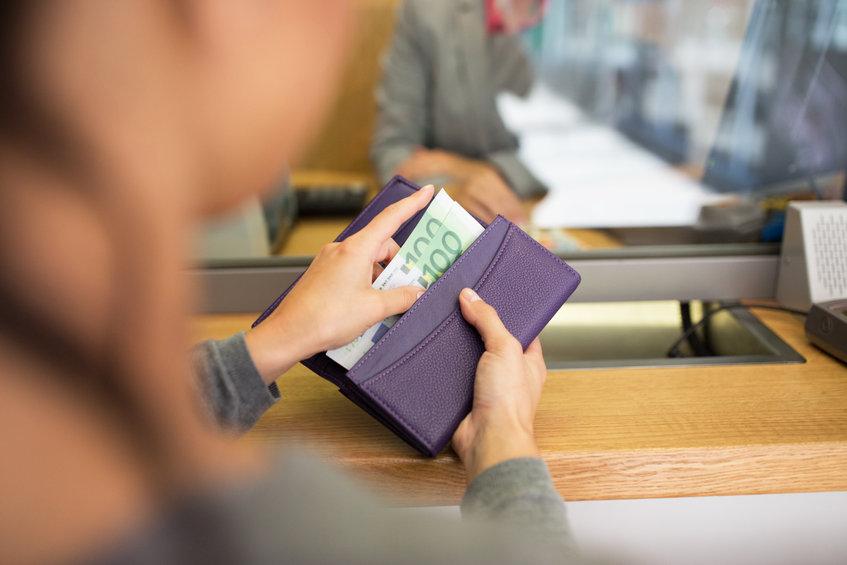 ¿Cuál es máximo de dinero en efectivo que se puede retirar/ingresar en el cajero sin tener que declararlo? | Sala de prensa Grupo Asesor ADADE y E-Consulting Global Group