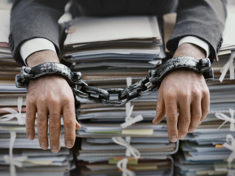 La morosidad de la Administración estrangula a pymes y autónomos. | Sala de prensa Grupo Asesor ADADE y E-Consulting Global Group