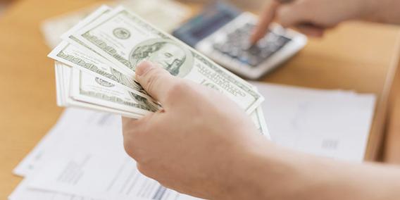 Economía prepara un 'cheque' para pymes y autónomos por cinco meses de sus ventas | Sala de prensa Grupo Asesor ADADE y E-Consulting Global Group