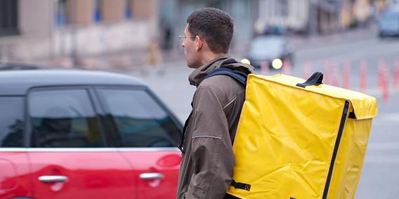 El TSJM determina que los 'riders' de Deliveroo son empleados y no autónomos