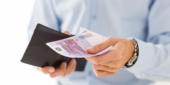 ¿Es legal el prorrateo anticipado de la indemnización por fin de contrato?