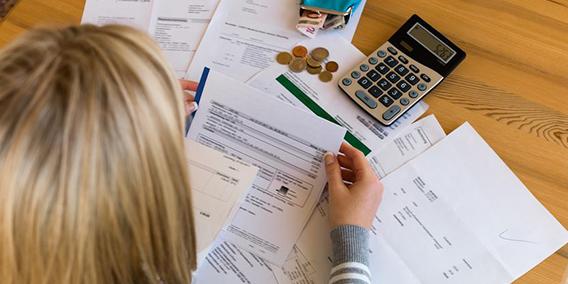Deudas que los autónomos pueden aplazar ante Hacienda y la Seguridad Social | Sala de prensa Grupo Asesor ADADE y E-Consulting Global Group