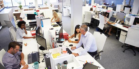 Trabajo quiere llevar la regulación del registro de jornada a los convenios | Sala de prensa Grupo Asesor ADADE y E-Consulting Global Group