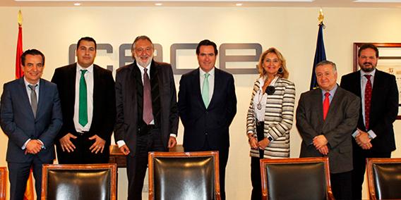 Reunión del presidente y directivos de CEOE con la junta directiva de AESAE
