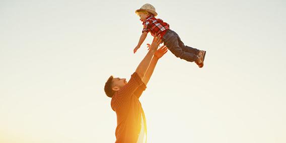El permiso por paternidad aumenta hasta las 12 semanas a partir del 1 de enero del 2020