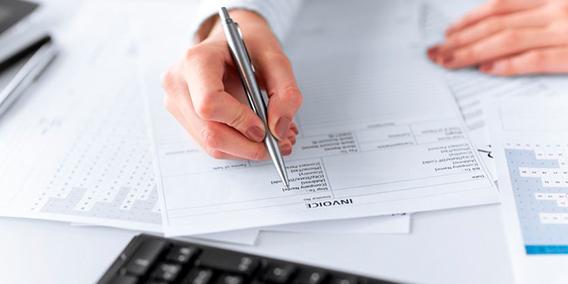 ¿En que casos un socio de una empresa debe cobra nómina o emitir una factura de servicios?  | Sala de prensa Grupo Asesor ADADE y E-Consulting Global Group