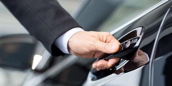 ¿Son deducibles las cuotas de renting que paga un abogado por el coche en su actividad? | Sala de prensa Grupo Asesor ADADE y E-Consulting Global Group
