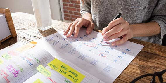 El BOE publica el calendario laboral de 2020 | Sala de prensa Grupo Asesor ADADE y E-Consulting Global Group