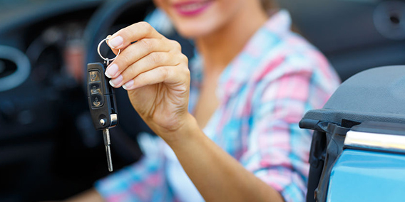 ¿Qué dice la DGT, sobre la deducción del renting del coche para los autónomos?  | Sala de prensa Grupo Asesor ADADE y E-Consulting Global Group
