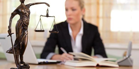 El secreto profesional del abogado de empresa, un derecho aún por definir