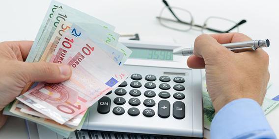 Errores contables del autónomo y el extra que te va a cobrar Hacienda por cometerlos | Sala de prensa Grupo Asesor ADADE y E-Consulting Global Group