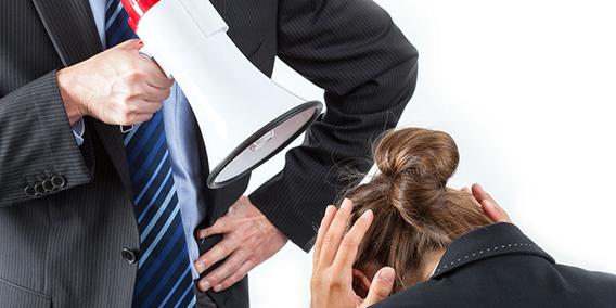 Jefe despedido por hacer trabajar a sus empleados horas extra gratis | Sala de prensa Grupo Asesor ADADE y E-Consulting Global Group