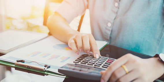 Hacia una nueva relación de Hacienda y el contribuyente   Sala de prensa Grupo Asesor ADADE y E-Consulting Global Group