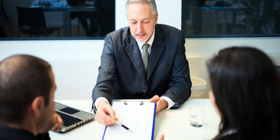 Cinco «irregularidades» que los clientes pueden reclamar al banco y no lo saben | Sala de prensa Grupo Asesor ADADE y E-Consulting Global Group