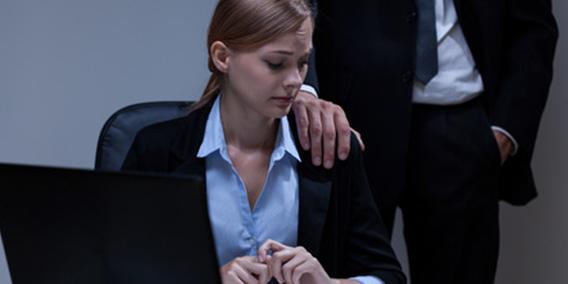 Las ausencias reiteradas al trabajo no siempre son causa de despido | Sala de prensa Grupo Asesor ADADE y E-Consulting Global Group