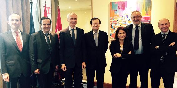 ADADE/E-Consulting participa en el encuentro que ha mantenido el Embajador de Suiza en España con FENAC  | Sala de prensa Grupo Asesor ADADE y E-Consulting Global Group